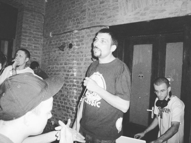 Recunoaste personajele. (Partea 4)#dj #mc #omugnom #djundoo #deva #throwback #throwbackthursday #hiphop #concert #scratchdj #romania #2011 📸 Voicu M Vlad